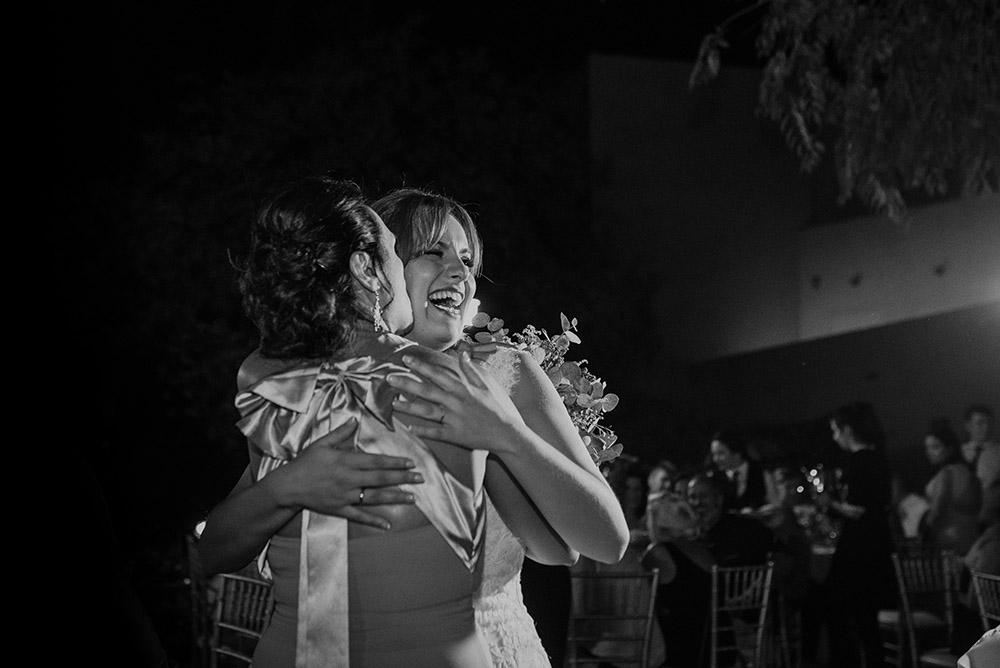 Fotógrafo en Granada abrazo
